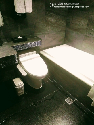 昇美精品旅店 Taipei Hotel Bchic 10 台北柔風 Taipei Masseur 油壓SPA按摩工作室 Oil Massage and Tantra Sensual Massage Workshop 男油壓師 男按摩師 譚崔按摩 情慾按摩 Yoni Massage